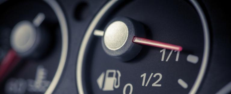 Лайфхаки: 8 способов сэкономить топливо
